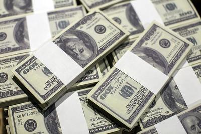 100 Dollar Bill Bundles