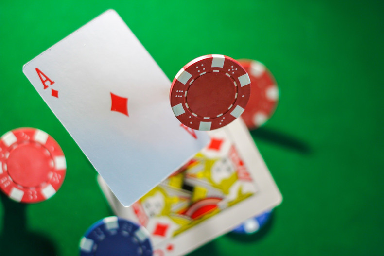 Blackjack Tumbling Cards and Chips